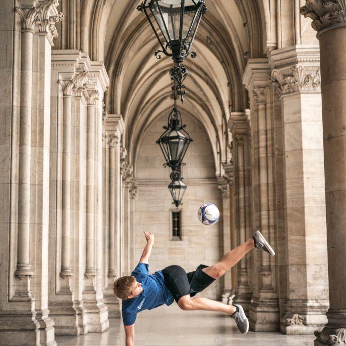 Freestyle Fußball Shooting Wiener Rathaus
